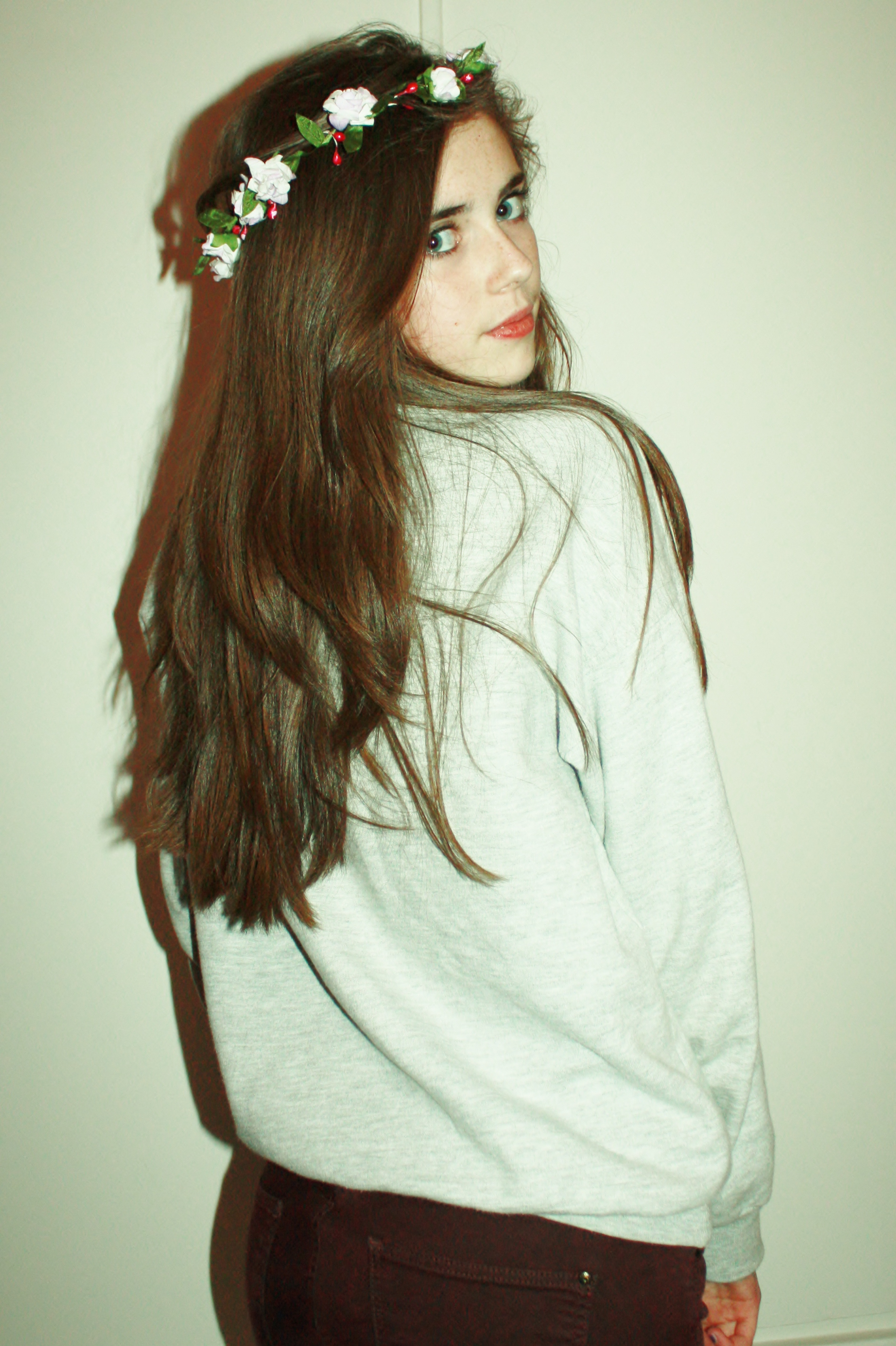 Girl with flower crown tumblr comousar girl with flower crown tumblr tumblr girl fl izmirmasajfo