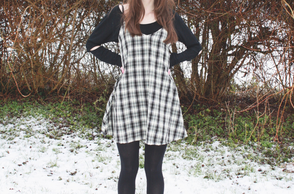 DIY pinafore in the snow 2